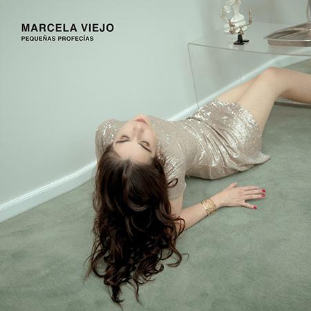 """Marcela Viejo <BR> """"Pequeñas profecías"""""""